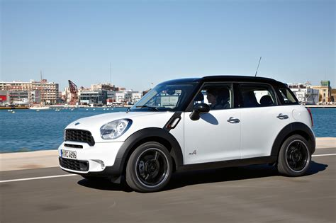 mini cooper countryman mini cooper countryman s wallpaper