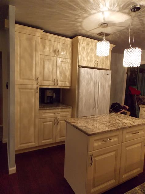 angels pro cabinetry wurzburg dark maple angels pro cabinetry oxford cream