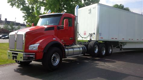 kenworth t880 for driving the kenworth t680 advantage t880