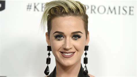 katy perry got a buzzy new haircut see her daring cropped