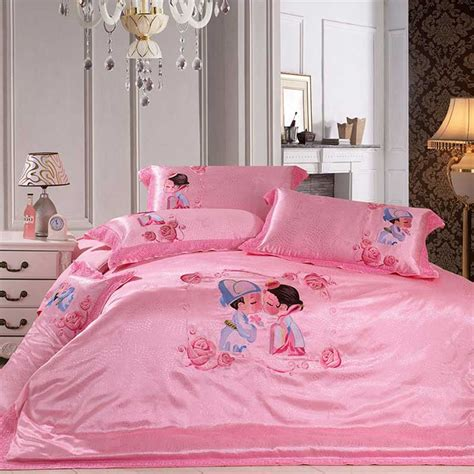 love pink bed set cartoon groom and bride love pink wedding bedding sets