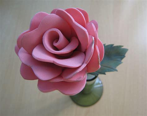 rosas pequenas de foamy o goma eva small foam roses rosa de goma eva una manera de tener una flor y que no