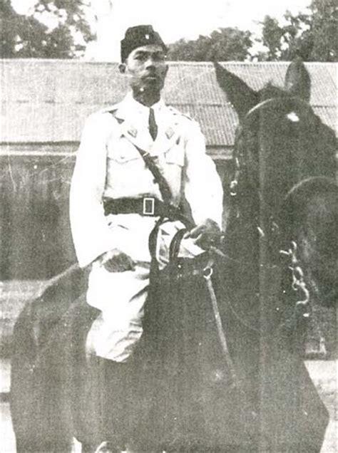 profil jenderal sudirman dalam bahasa jawa gambar foto pahlawan nasional indonesia