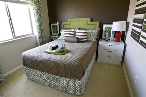 trik menata kamar tidur  kecil  terlihat luas