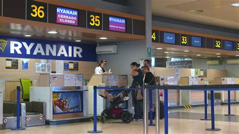 ryanair check inn bolgna italy june 14 2015 check in ryanair from the