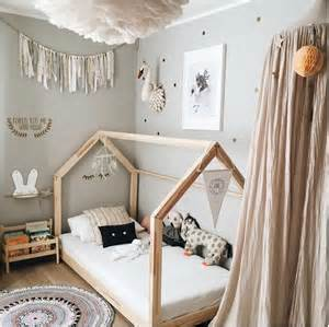 Toddler Bedroom Ideas Decorating 25 Best Ideas About Kid Beds On Bed