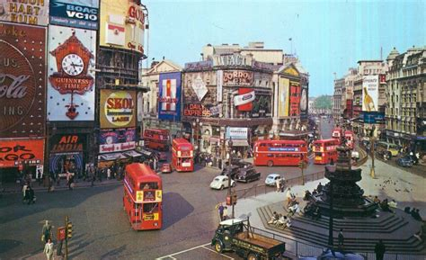 1930s Home Decor by Piccadilly Circus 1965 Dr Zhivago Flashbak