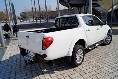 Mitsubishi L200 Motormobiles