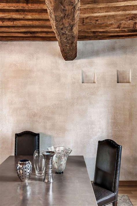 Plafond Rustique Bois by Plafond Bois Avec Poutres Apparentes Et Ambiance Rustique