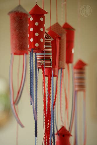 make your own fourth of july confetti popper rockets