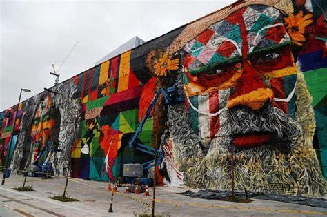 rio de janeiro   largest graffiti mural  world