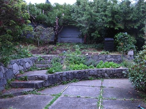 Rustic Landscaping Ideas For A Backyard Large Backyard Garden Steps Rustic Tiered Garden Design Chsbahrain
