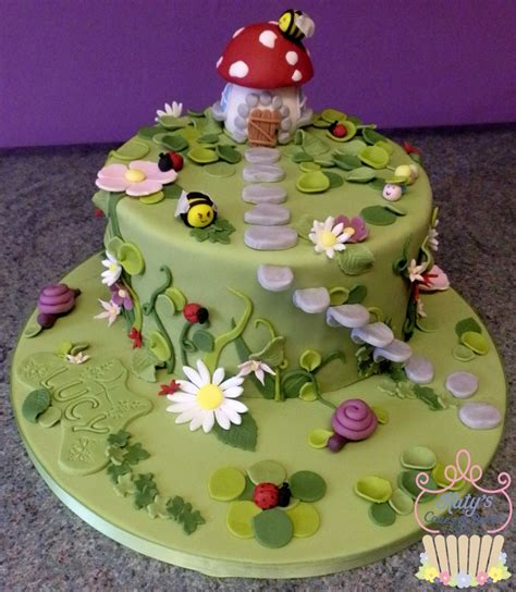 Fairy Garden Cake Cake Pinterest Gardens Too Cute In The Garden Cake Ideas
