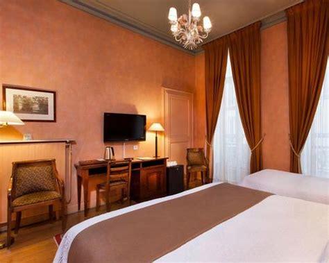 Hotel Du Palais Bourbon 4154 by H 244 Tel Du Palais Bourbon 3 233 Toiles 49 Rue De