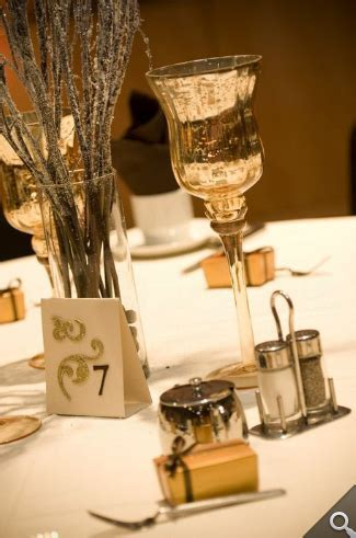 Gold table decorations   glitter in centerpiece