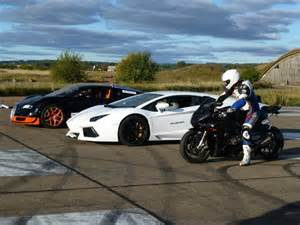 Bugatti Vs Lamborghini Veneno Lamborghini Veneno Vs Bugatti Veyron Www Imgkid