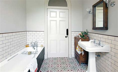 tiling a small bathroom choosing the right size tiles for a small bathroom
