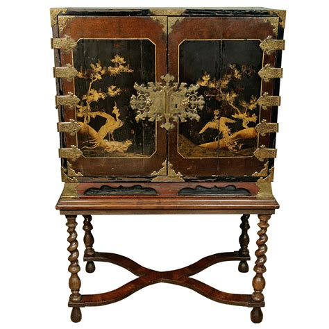 japanese black lacquer cabinet a 17th century japanese lacquer cabinet on stand