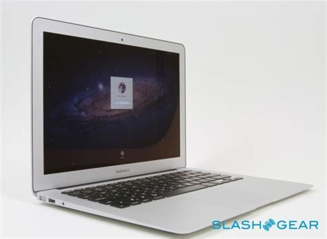 macbook air common screen and audio problems youtube macbook air 13 inch core i5 review mid 2011 slashgear