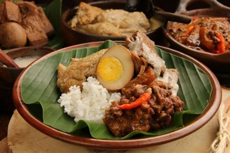 makanan khas daerah terlezat   provinsi indonesia