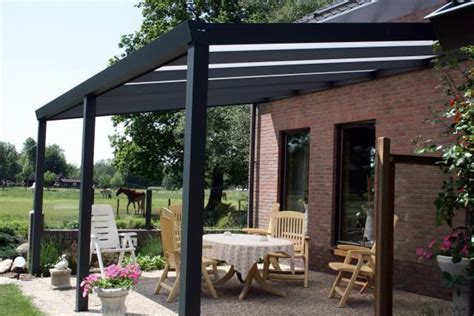 veranda zwart hout aanbouw veranda aluminium antraciet zwart overkapping
