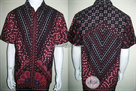 Hem Batik Pria Wajik Hitam hem batik etnik pria tan hadir dengan kombinasi warna hitam merah painting fabric artwork