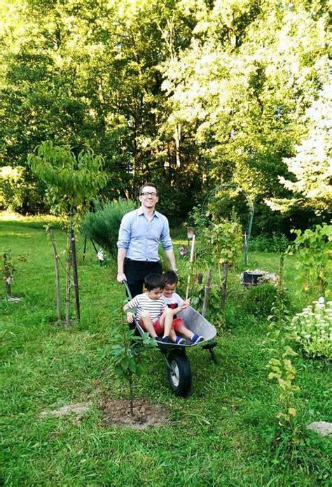 Garten Pflanzen Kinder by G 228 Rtnern Mit Kindern Baum Blumen Gem 252 Se Pflanzen