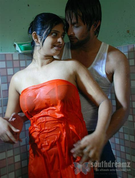 bathroom sex hindi south indian girls in towel bathing dress very rare pictures