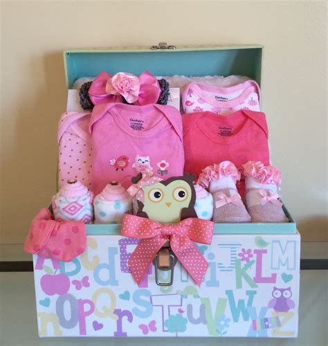 Gift Baskets For Baby Shower by Best 25 Baby Gift Baskets Ideas On Baby