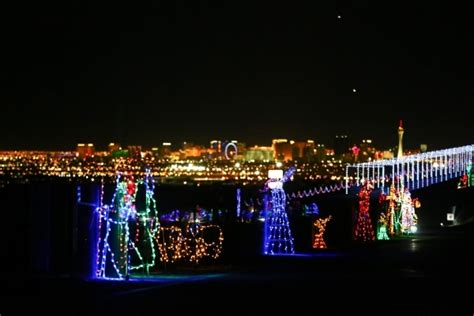 las vegas speedway christmas glittering lights makes the speedway glow photos las