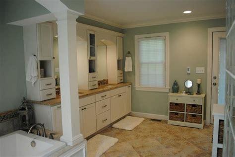 Marshmallow Cream Maple Cabinets, Persa Avorio Granite
