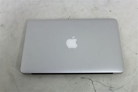 Laptop Apple A1370 apple macbook air a1370 silver 11 6 128gb intel 1 6ghz 2gb ram 2010 laptop