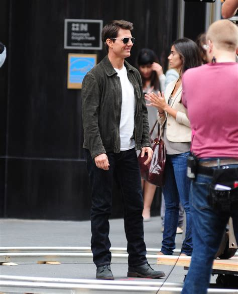 Tom Cruise Attacks Nyc by Tom Cruise Oblivion In Nyc 7 1 Of 23 Zimbio