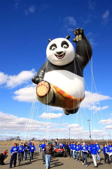 St Pandablack the kung fu panda balloon from macy s thanksgiving day parade coming to st louis review st