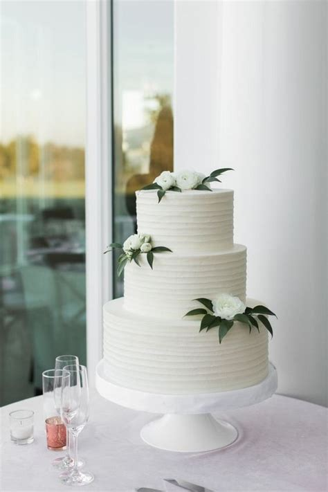 15 Amazing White and Green Elegant Wedding Cakes