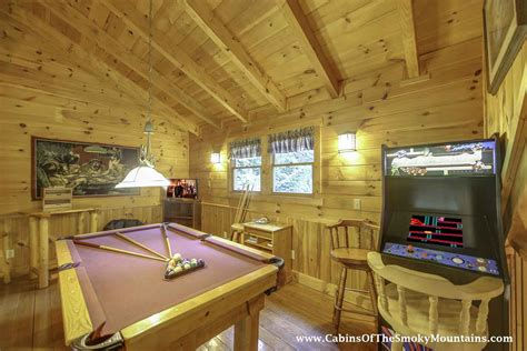 8 bedroom cabins in pigeon forge pigeon forge cabin peanuts paradise 2 bedroom sleeps