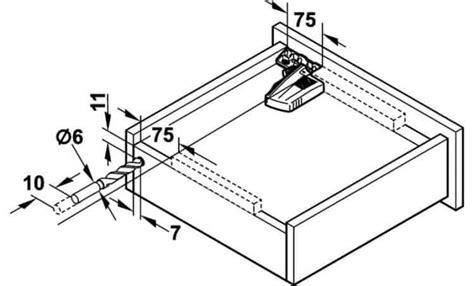 attacchi per lade guide con ammortizzatore blum 550 mm