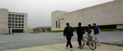 Mba Universidad De Navarra by La Facultad De Comunicaci 243 N De La Universidad De Navarra