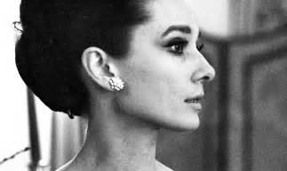 War Of The Roses Chandelier Rare Audrey Hepburn