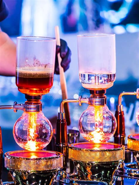 showcase syphon coffee maker  syphonist stock photo image  brew accessories