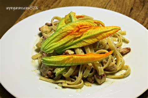 pasta con fiori di zucca linguine con pesto di pistacchi polpo e fiori di zucca