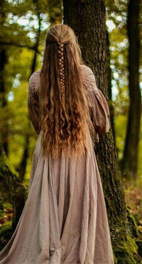 pictures of irish styles long dark hair magnificent medieval hairstyles