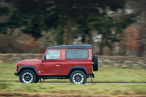 Land Rover 2018 Defender Cer Edition by Land Rover Defender Returns For 2018 With V8 Powered