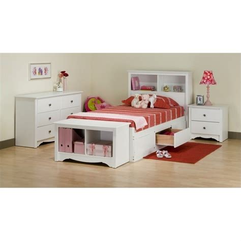 white twin bedroom set features