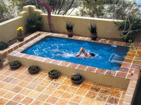 splash pool ideas una piscina peque 241 a en el patio trasero un gran capricho