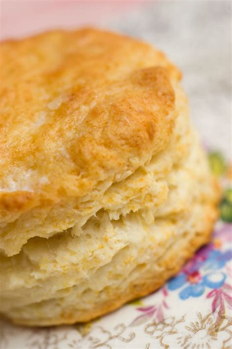 biscuits and slashed browns a country store mystery books swoon inducing buttermilk biscuits al