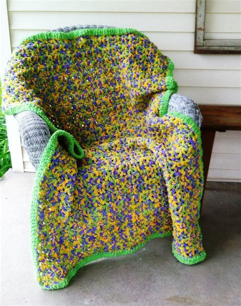 crochet pattern quick afghan crochet pattern for a quick easy crochet afghan using bernat