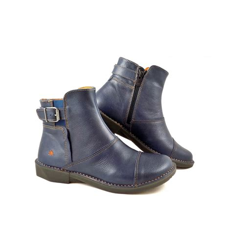 company bergen 0917 flat ankle boots in blue leather