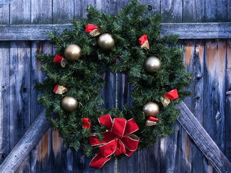 christmas decorations you can make at home easy christmas decorations you can make at home