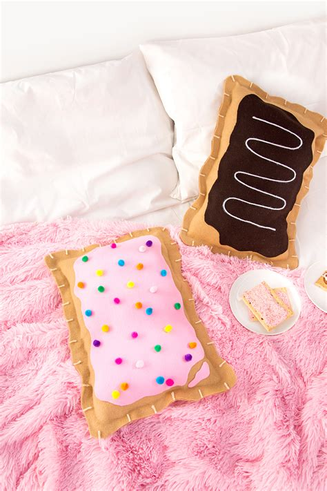 187 diy no sew pop tart pillow